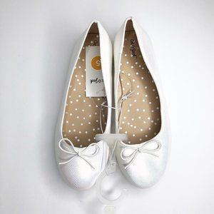 NWT Cat & Jack Girls White Metallic Ballet Flats